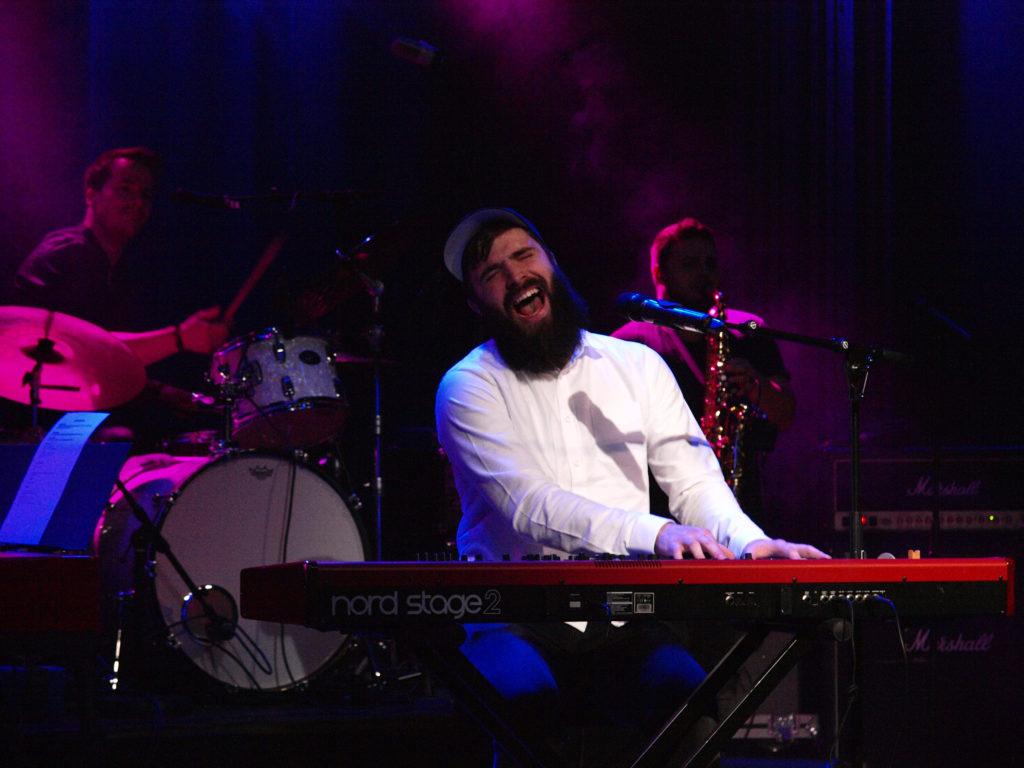 Eivind Vilnes by the piano